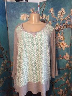 CHA CHA VENTE PLUS 2X GRAY/GREEN LACE FRONT RAYON HI-LO 3/4 SLEEVE TUNIC TOP #ChaChaVente #Tunic #Casual