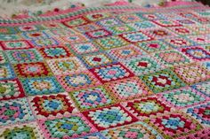 My Dolly Mixtures Blanket of bright and beautiful granny squares is complete. Crochet Ripple Blanket, Crochet Quilt, Crochet Blanket Patterns, Crochet Blankets, Crochet Baby Hats Free Pattern, Granny Square Crochet Pattern, Crochet Granny, Joining Granny Squares, Granny Square Blanket