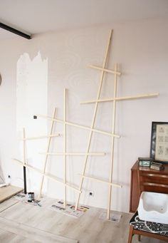 Unique racks and shelves for books Salon Furniture, Steel Furniture, Diy Furniture, Creative Decor, Unique Home Decor, Diy Home Decor, Deco Pastel, Etagere Design, Apartment Layout