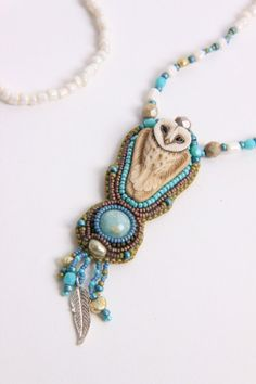 Bead embroidered Owl Necklace. van Spijckerhard op Etsy, €139.95