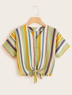 To find out about the Striped Button & Tie Front Blouse at SHEIN, part of our latest Blouses ready to shop online today! Crop Top Outfits, Cute Casual Outfits, Stylish Outfits, Girls Fashion Clothes, Teen Fashion Outfits, Shorts E Blusas, Stylish Dresses For Girls, Tie Front Blouse, Clothing Hacks