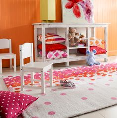 This room is all about bright and fun Spring/Summer colors!