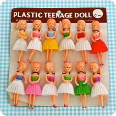 I loved these cheap little dolls - you could buy them from vending machines - not the gumball tpe machines, but the larger wall mounted machines.vintage dolls from heyyoyo Old Dolls, Antique Dolls, Vintage Dolls, Kitsch, Childhood Toys, Childhood Memories, Vintage Love, Retro Vintage, Moda Vintage