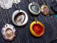 Fingerprint jewelry makes a lovely custom keepsake. It can be done in fine or sterling silver, or you can make your own using very inexpensive polymer clay. Follow this step-by-step photo tutorial to learn how to make fingerprint jewelry in less than an hour.
