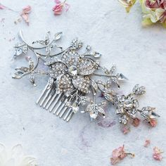 Anusha Edith Crystal Hair Comb ($55) ❤ liked on Polyvore featuring jewelry, sparkle jewelry, crystal jewelry, crystal jewellery, crystal stone jewelry and party jewelry