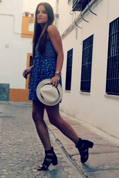 Summer Streetstyle: casual dress + sandals #fashionblogger #cordoba