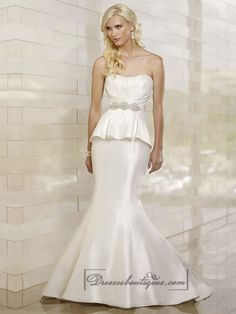 Modern Mermaid Strapless Ruched Bodice Wedding Dresses with Ruffled Skirt
