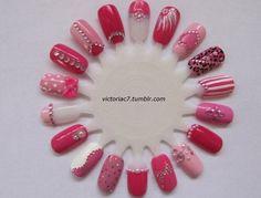 love this pink nail art wheel ! ♥
