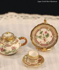 These are the most amazing.  And the most expensive. Incredible hand-painted porcelain from Japan Guild Miniature show, Miyuki Nagashima