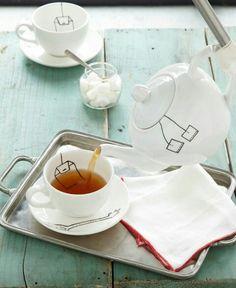 Porcelain pen marker teapot