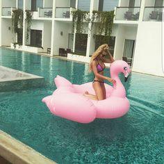 Repost Vizcaya doll @brittanyannpayne  #vizcayaswimwear #vizcaya #bikini #swimwear #bikinimodel #swimsuit #bikinis #ibiza #miami #beach #pool #travel #fun #model #bikinilife #missusa