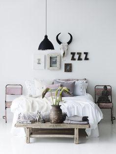 憧れインテリアは白い床!北欧やヴィンテージにも似合う33の白い床の部屋 | iemo[イエモ]