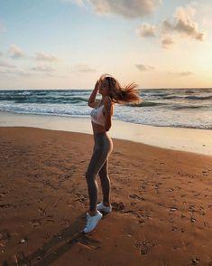 Beach Photography Poses, Beach Poses, Photography Editing, Bikini Poses, Ocean Photos, Polaroid Pictures, Sea Photo, Insta Photo Ideas, Summer Photos
