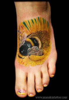 Josh Hibbard - Bumble Bee on Sunflower