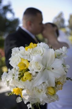 Nice white and yellow bouquet