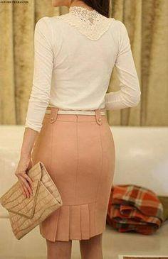 Pink skirt back detail Work Fashion, Modest Fashion, Fashion Dresses, Fashion Design, Blouse And Skirt, Dress Skirt, Super Moda, Casual Dresses, Casual Outfits