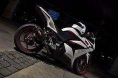 2009 Kawasaki Ninja 250 R wallpapers Wallpapers) – Wallpapers Kawasaki 250, Kawasaki Ninja 250r, R Wallpaper, Bike Life, Sport Bikes, Motocross, Cars And Motorcycles, Motorbikes, Vehicles