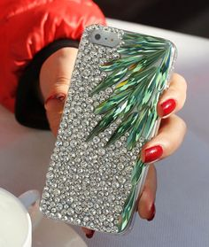 Handmade Bling Rhinestone Crystal iPhone4 4S 5 5S 5c Case Color Leaves #rhinestone #sparkly #phonecase Iphone 5c Cases, Diy Phone Case, Iphone 4, Handmade Accessories, Bridal Accessories, Mobile Craft, Washi Tape Diy, Cute Wallpaper For Phone, Cool Diy Projects