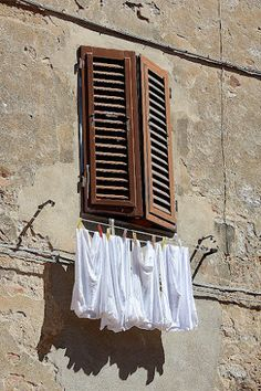 Even the laundry is enchanting in Toscana...