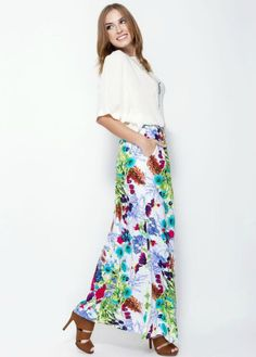 - Maxi skirt, with pockets on the side - Waisted fully elastic so each size can be weared by 2 sizes up. - Special full lining for summer, so the skirt is not transparent at all