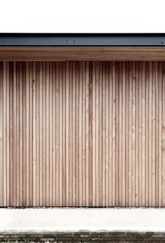 norm architects completes reydon grove farm house in suffolk Wooden Cladding Exterior, Larch Cladding, Timber Battens, Wooden Facade, House Cladding, Exterior Stairs, House Paint Exterior, Exterior Design, Wooden Screen