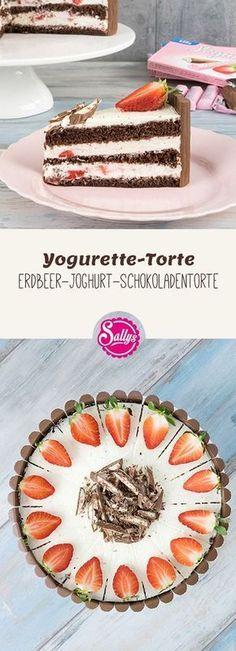 Feiner Wiener Boden gefüllt mit einer Joghurt-Sahne-Creme und Erdbeerstücken und dekoriert mit Yogurette-Pralinen.