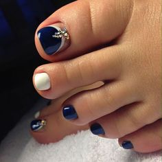 Awesome eye catching nail trends 201837 my kind of pedicure! Pedicure Nail Designs, Toe Nail Designs, Pedicure Nails, Pedicure Ideas, Toenails, Nail Ideas, Pedicures, Nails Design, Blue Toe Nails