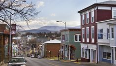 LURAY, VA. A charming small town with Big prospects for all varieties of travelers. Home to Luray Caverns, Shenandoah National Park and Shenandoah River.