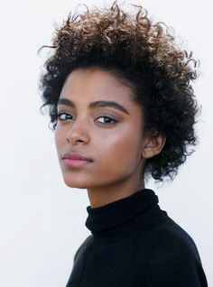 Beauty | Make-up | Curls | Natural | More on Fashionchick.nl