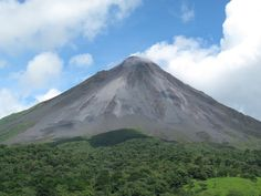 A wide angle picture of Arenal Volcano in Costa Rica