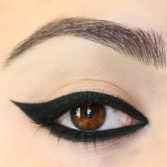 Swerve matte true onyx black Crème Gel eyeliner on eye. Completely lined whole line with wing. Best Eyeliner Brand, Eyeliner Brands, Eyeliner Styles, Eyeliner Ideas, Gel Eyeliner Pencil, Winged Eyeliner Tutorial, Winged Liner, Black Eyeliner, Winged Eyeliner