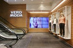 Vero Moda Flagship Store at Alexa Mall by Riis Retail, Berlin