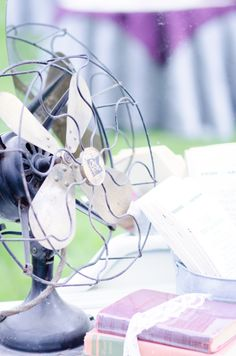 Vintage Fan    @ Blush Events    ©Guillermo Raya Photography and Ross Knight Photography    theblushevent.com