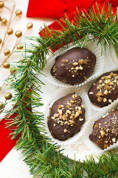 Melomakarona Greek Christmas Honey Walnut Chocolate Cookies Chocolate Cookies, Melting Chocolate, Chocolate Covered, Chocolate Recipes, Greek Desserts, Greek Recipes, Melomakarona Recipe, Brownie Cake, Brownies