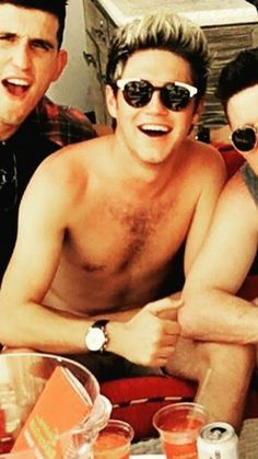 Niall, all shirtless, takes my breath away, I can just barely  make it .....Oh Niall I Love You.
