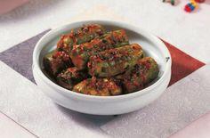 Stuffed Cucumber Kimchi - List of the best food recipes Asian Recipes, Healthy Recipes, Ethnic Recipes, Healthy Foods, Cucumber Kimchi, Food Promotion, Kimchi Recipe, Feel Good Food, 1 Gif