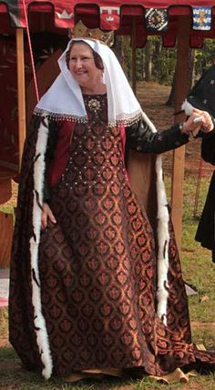 14th century sideless surcote bead trimmed veil.