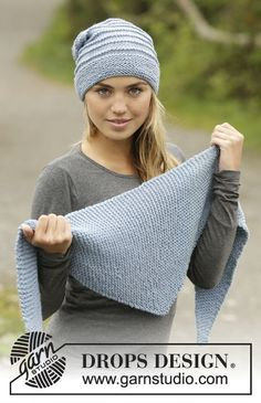 """Blue Winds / DROPS 172-28 - Knitted DROPS hat and scarf in garter st in """"Big Merino""""."""