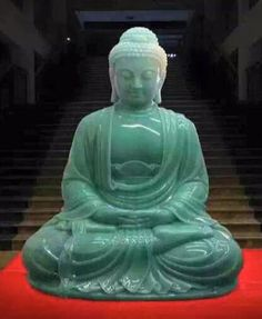 When I was ten years old, my uncle gave me a Buddha statue...I had it for years, until I left it at home for college and it mysteriously disappeared... :( Maybe it will come back to me. Jadeite Buddha
