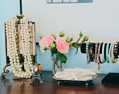 to organize jewels