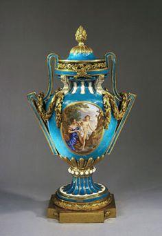 Vase and Cover, Sèvres porcelain, The Wallace Collection, London Vases Decor, Art Decor, Decoration, Fine Porcelain, Porcelain Ceramics, Manufacture De Sevres, Museum, Old Things, Vintage Antiques