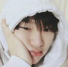 My squishy 😗 Korean Boys Ulzzang, Ulzzang Boy, Kim Yongguk, Solo Male, Kwon Hyunbin, Male Icon, Kim Yugyeom, Hyun Bin, My Sunshine
