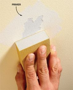 Home Remodeling Hacks Preparing Walls for Painting: Problem Walls Seal tears before applying compound Prime torn paper edges, sand and then apply joint compound to smooth and hide the flaw. - Fix any wall before you paint to get a super-smooth finish Preparing Walls For Painting, Painting Tips, House Painting, Painting Techniques, Washing Walls Before Painting, Spray Painting, Painting Plaster Walls, Faux Painting, Painting Art