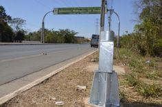 Vândalos destroem radar na avenida das Torres +http://brml.co/2asO9JG