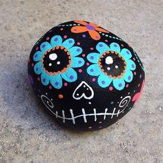 54 DIY Christmas Painted Rock Design - Bastelidee - Painting Tips Rock Painting Ideas Easy, Rock Painting Designs, Painting For Kids, Art For Kids, Paint Ideas, Pebble Painting, Pebble Art, Stone Painting, Painting Flowers