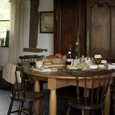 (via Create a granary kitchen   Traditional kitchen decorating ideas - 10 best   housetohome.co.uk)