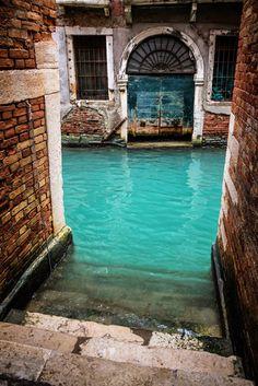 Canal Turquoise, Veneza, Itália.