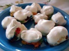 M Balls Recipe - Look yummy! Just Desserts, Delicious Desserts, Yummy Food, Candy Recipes, Dessert Recipes, Cookie Recipes, Pinch Recipe, Recipe 4, Pie Pops