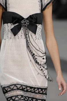 Chanel - Spring 2009 Ready-to-Wear Collection - Details