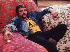 Mad Villainy: Oliver Reed on how to play a bad guy Oliver Reed, Dangerous Minds, Invisible Man, Dream Baby, Many Faces, Film Director, Hollywood Celebrities, Real Man, Gorgeous Men